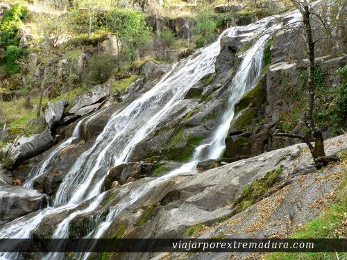 Cascada del Caozo (Caozo waterfalls)